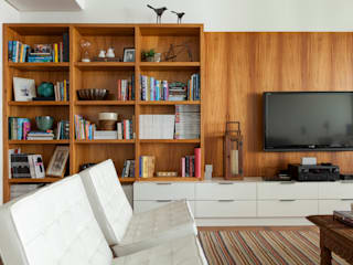modern Living room by Marcella Loeb