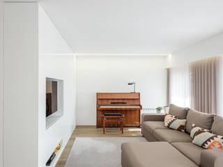 Wohnzimmer von Raulino Silva Arquitecto Unip. Lda, Minimalistisch