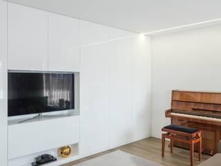 Living room by Raulino Silva Arquitecto Unip. Lda, Minimalist