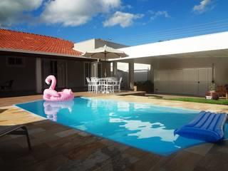 Modern pool by Fávero Arquitetura + Interiores Modern