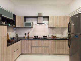 Completed Modular kitchen designs:  Kitchen units by HomeLane.com