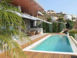 Mediterranean style balcony, veranda & terrace by markilux Mediterranean
