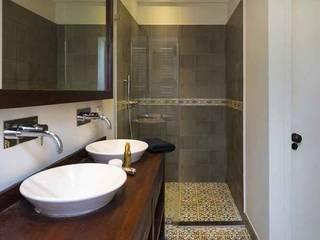 Płytki cementowe w łazience: styl , w kategorii  zaprojektowany przez Płytki Orientu