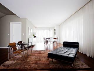 Sala : Salas de estar modernas por CódigoDesign