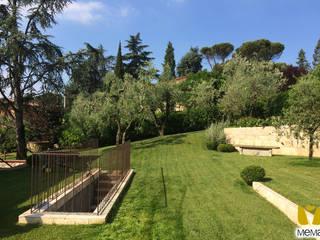 Giardino con piscina Giardino moderno di Mema Giardini s.r.l. Moderno