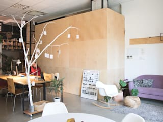 Zona de trabajo: Oficinas y Tiendas de estilo  de Atelier SIBA
