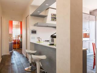 a2 Studio Borgia - Romagnolo architetti Pasillos, vestíbulos y escaleras modernos