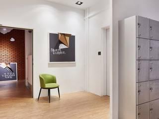 在游大俠裡找自己:  樓梯 by 舍子美學設計有限公司