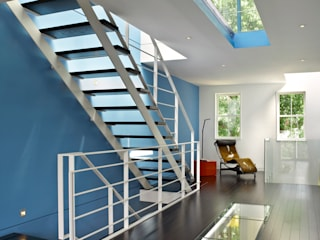 KUBE architecture Escaleras Blanco
