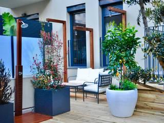 Balcones y terrazas de estilo ecléctico de ésverd - jardineria & paisatgisme Ecléctico