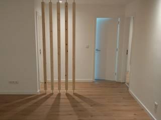 C evolutio Lda 現代風玄關、走廊與階梯 木頭 White