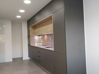 C evolutio Lda Kitchen units Grey