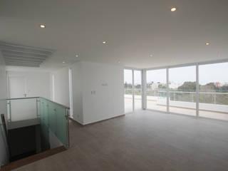 Penthouse dúplex San Isidro: Salas de entretenimiento de estilo  por Artem arquitectura
