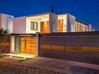 Fachada : Casas de estilo  por René Flores Photography