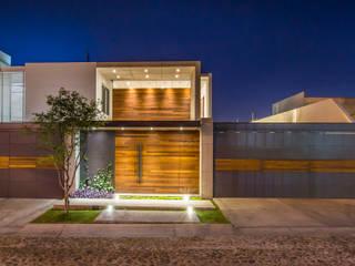 Fachada: Casas de estilo  por René Flores Photography