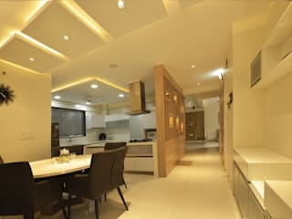 Modern dining room by GREEN HAT STUDIO PVT LTD Modern