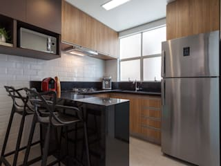 Apartamento .MJ Cozinhas modernas por Amis Arquitetura e Decoração Moderno