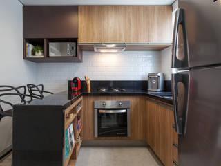 Amis Arquitetura e Decoração Moderne keukens