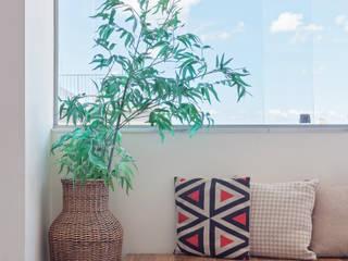 Cobertura .JT Salas de jantar modernas por Amis Arquitetura e Decoração Moderno