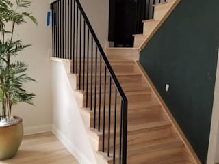 Escaleras de estilo  por Shine Star Flooring