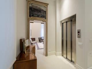 Modern Corridor, Hallway and Staircase by Vemworks llc Modern