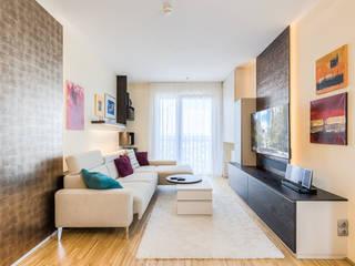 AuBergewohnlich Kleinere Stadtwohnung Mit Viel Funktion: Moderne Wohnzimmer Von Horst  Steiner Innenarchitektur
