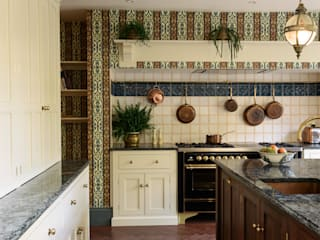 deVOL Kitchens Kitchen Solid Wood Multicolored
