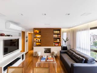 Living contemporâneo Salas de estar minimalistas por ABHP ARQUITETURA Minimalista