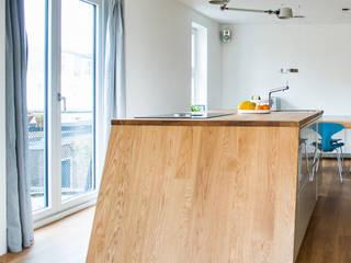 Nieuw kozijn:  Wooden windows by B1 architectuur