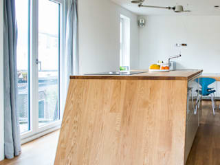 Complete make-over woonkamer en keuken by B1 architectuur Modern