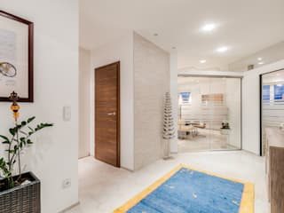 Corridor & hallway by Horst Steiner Innenarchitektur