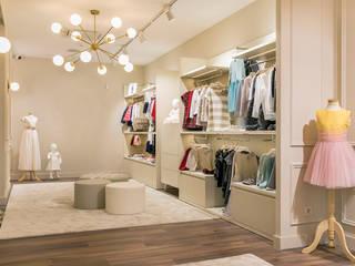 Uma loja de roupa de criança...:   por Casactiva Interiores