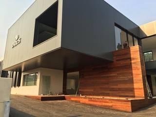 Fábrica de Marroquinaria:   por FPArquitectura,Moderno
