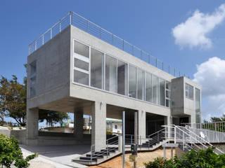 現代房屋設計點子、靈感 & 圖片 根據 プラソ建築設計事務所 現代風