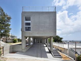 海を一望する家 モダンな 家 の プラソ建築設計事務所 モダン