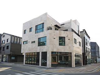 Cozinhas  por 피앤이(P&E)건축사사무소 , Moderno
