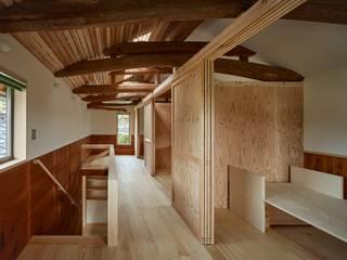 下高倉の家: 岸本泰三建築設計室が手掛けた子供部屋です。