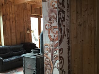 José den Hartog Phòng khách phong cách chiết trung Gạch ốp lát Brown