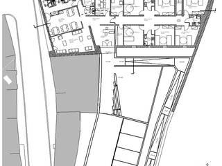 Reconversão/Ampliação de Edifício Biblioteca para Lar Residencial, Alandroal:   por Coisa - Arquitectura, Design e Imagem, Lda