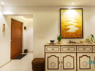 3 BHK Apartment - Fairmont Towers, Bengaluru: classic Living room by KRIYA LIVING