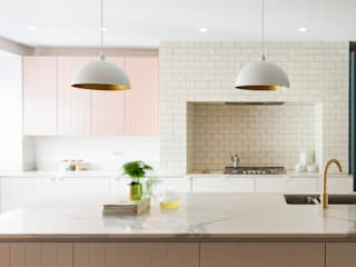 Urban rustic style - Victorian villa, Hammersmith My-Studio Ltd Built-in kitchens MDF Pink