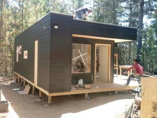 Cabañas de madera: Casas de campo de estilo  por Incove Ingeniería y Construcción
