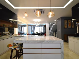 Kiara 1888:  Kitchen by Hatch Interior Studio Sdn Bhd
