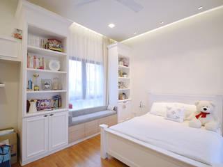 Cuartos de estilo  por Hatch Interior Studio Sdn Bhd,