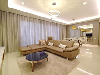 Windows On The Park:  Living room by Hatch Interior Studio Sdn Bhd