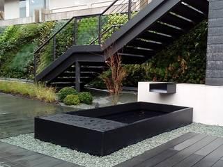 Diseño de exteriores en oficinas - Fuentes de La Habitación Verde Moderno