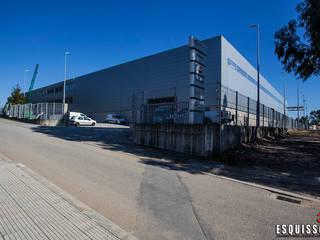 Manitowoc Crane Group - Pavilhão Industrial: Espaços comerciais  por Esquissos 3G,Industrial