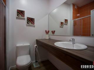 Casa Ana Pinheiro : Casas de banho  por Esquissos 3G,Moderno