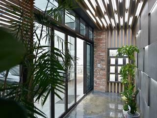 부산 카페같은 사무실인테리어 - 노마드디자인: 노마드디자인 / Nomad design의  서재 & 사무실