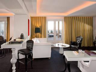 un hotel:  de estilo  de SILLA STIL